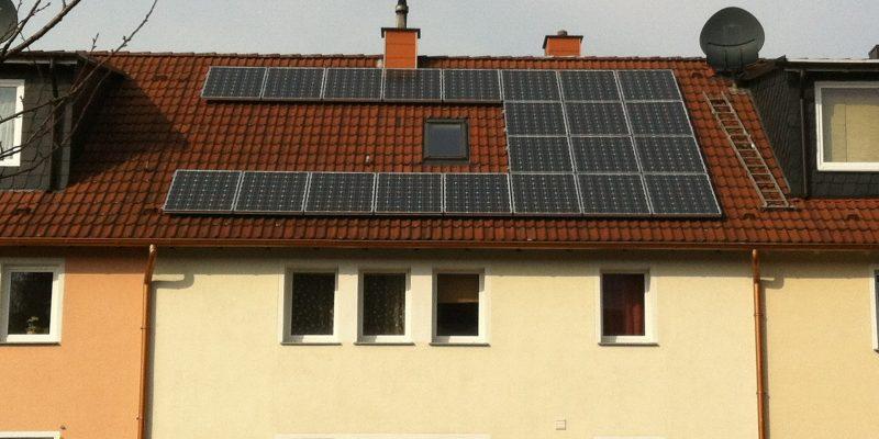 solar-modules-1634596_1920