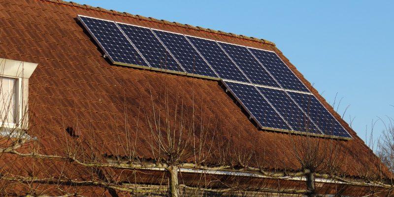 solar-panels-671454_1920